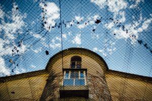 emilie-lherondel-photographe-ancienne-prison-de-grasse-exterieur